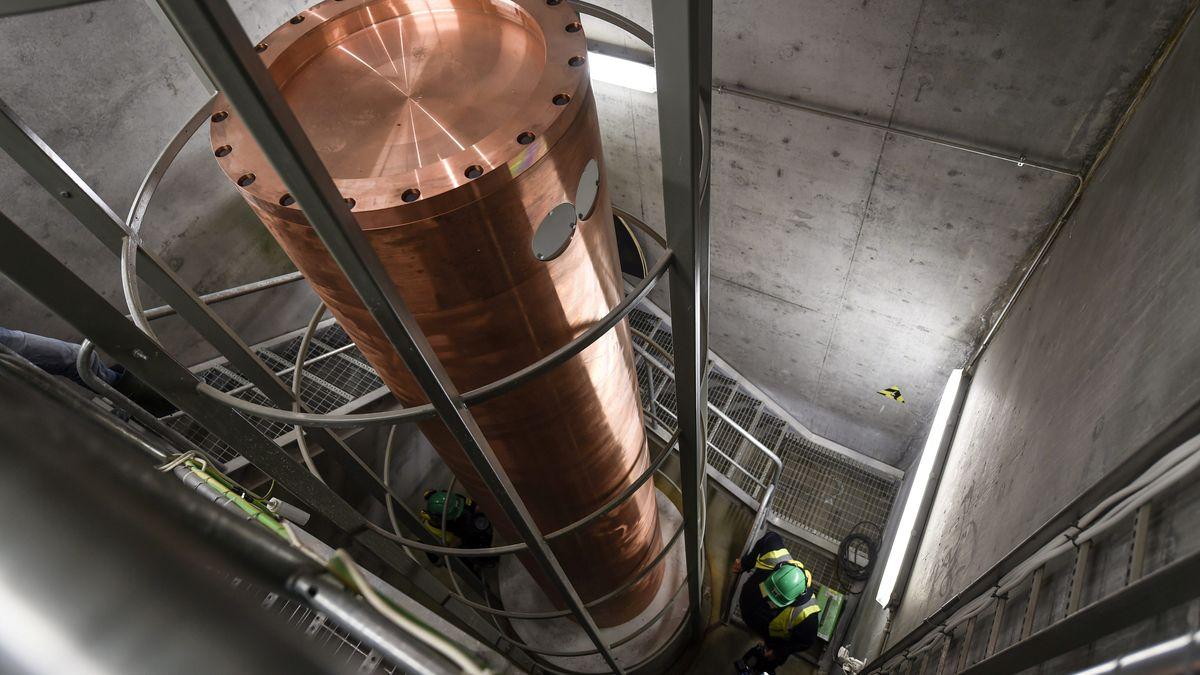 "Kupferrohr mit hochradioaktivem Abfall in ""Onkalo"", Finnland"