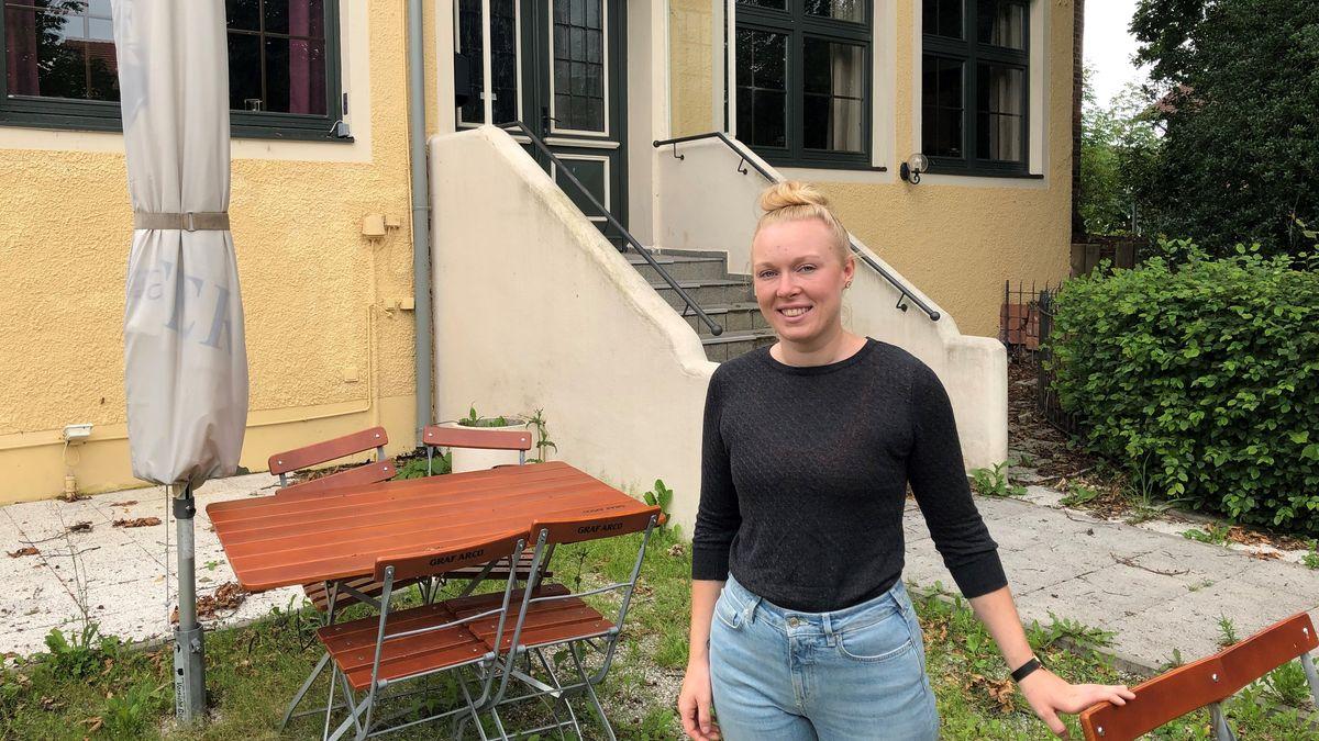 """Restaurantleiterin Julia Haberger hätte gern schon längst aufgesperrt - doch sie findet kein Personal für die """"Essbar"""" in Pfarrkirchen."""