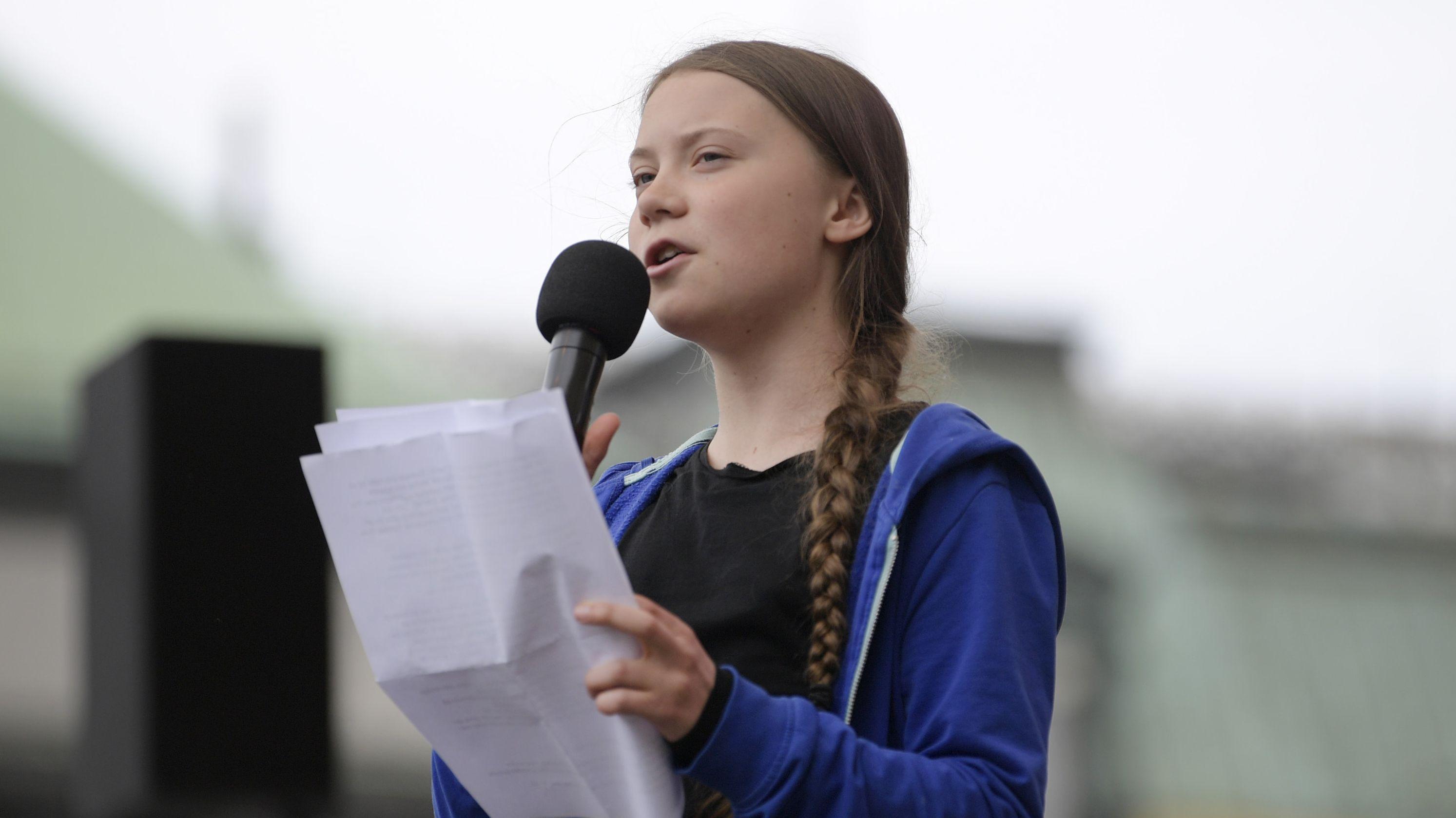 """Die schwedische Umweltaktivistin Greta Thunberg und die Bewegung """"Fridays For Future"""" erhalten für ihr Engagement den Amnesty Preis."""