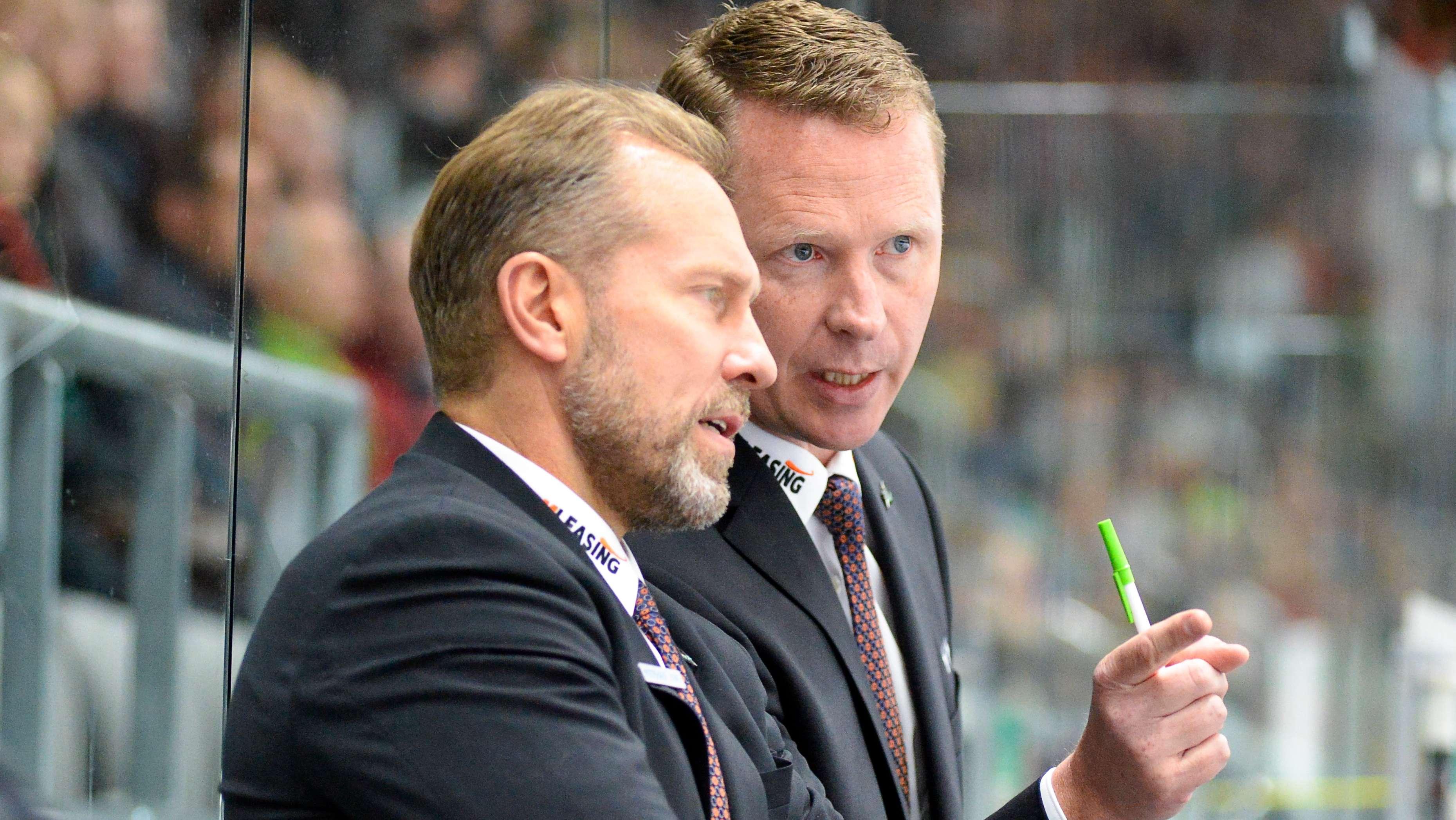 Tray Tuomie (l.) mit seinem Vorgänger als Cheftrainer, Mike Stewart