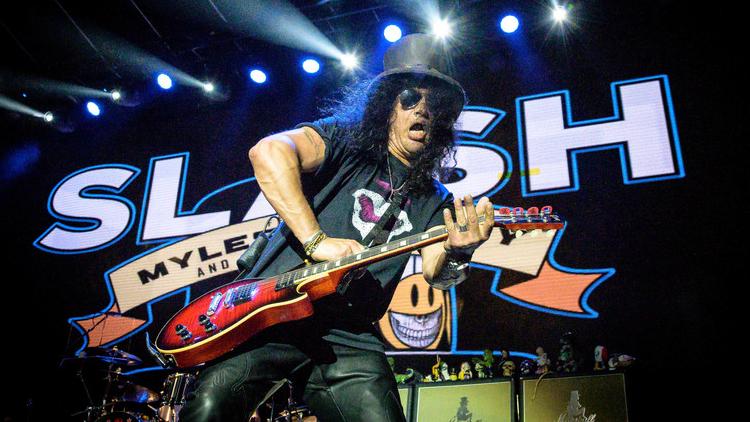 Der Rockmusiker Slash tritt im Rebel Club in Toronto auf - eine Aufnahme von 2019