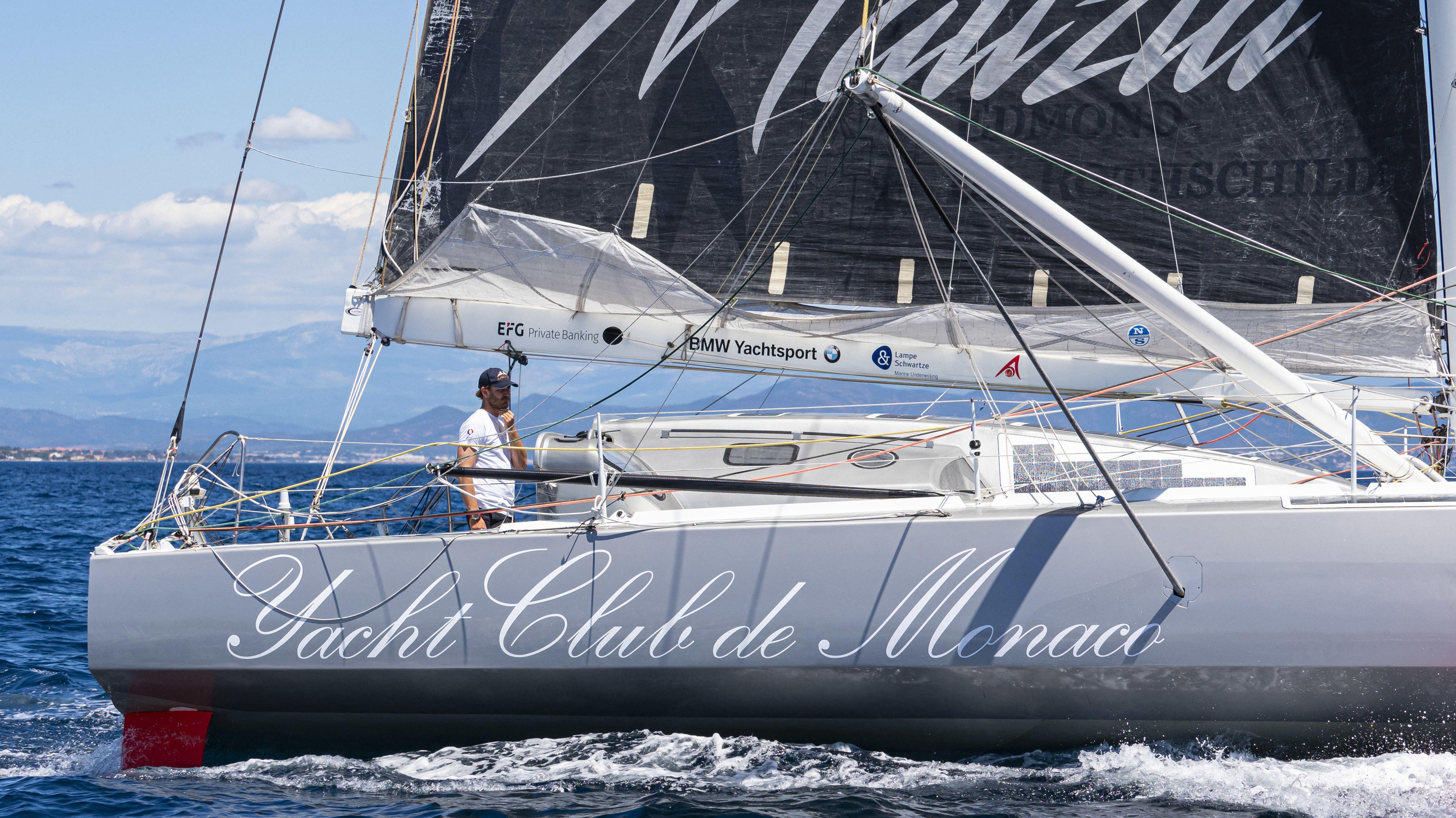 Greta Thunbergs Skipper und Kapitän, der Segelprofi Boris Herrmann, auf einer Yacht