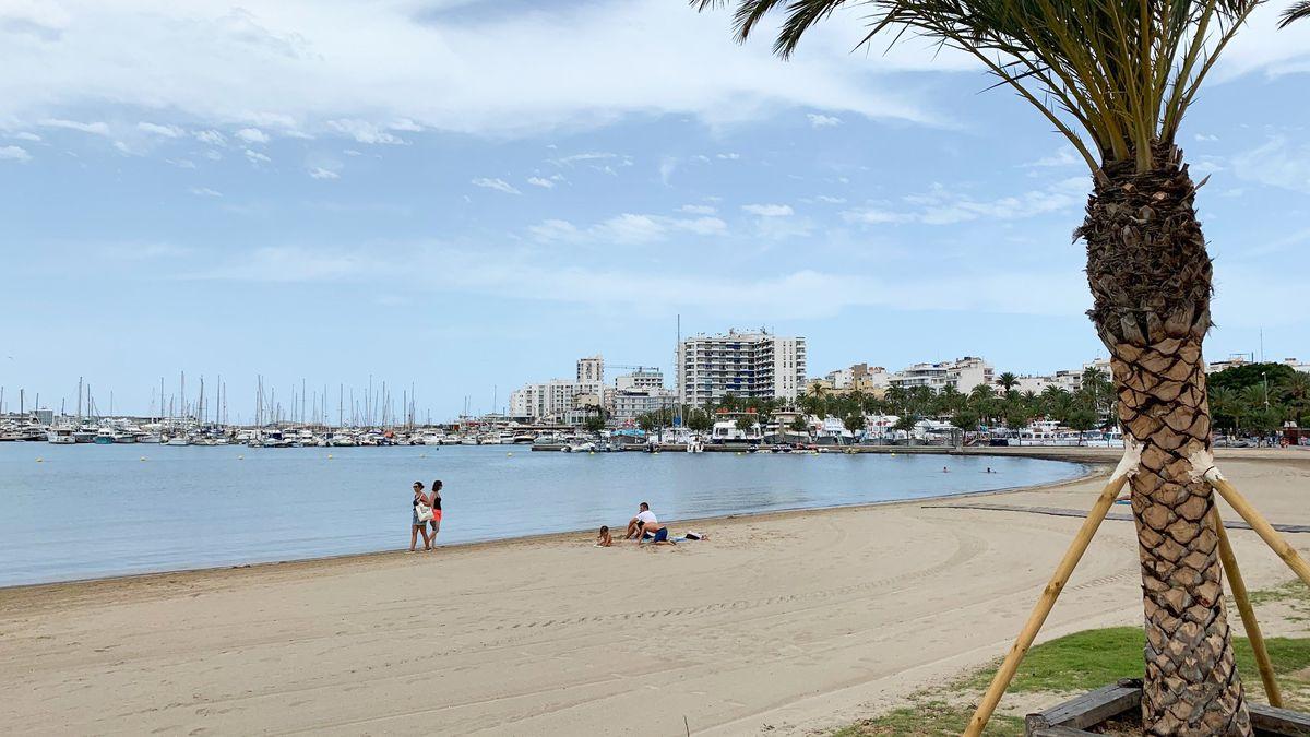 Leerer Strand auf Ibiza