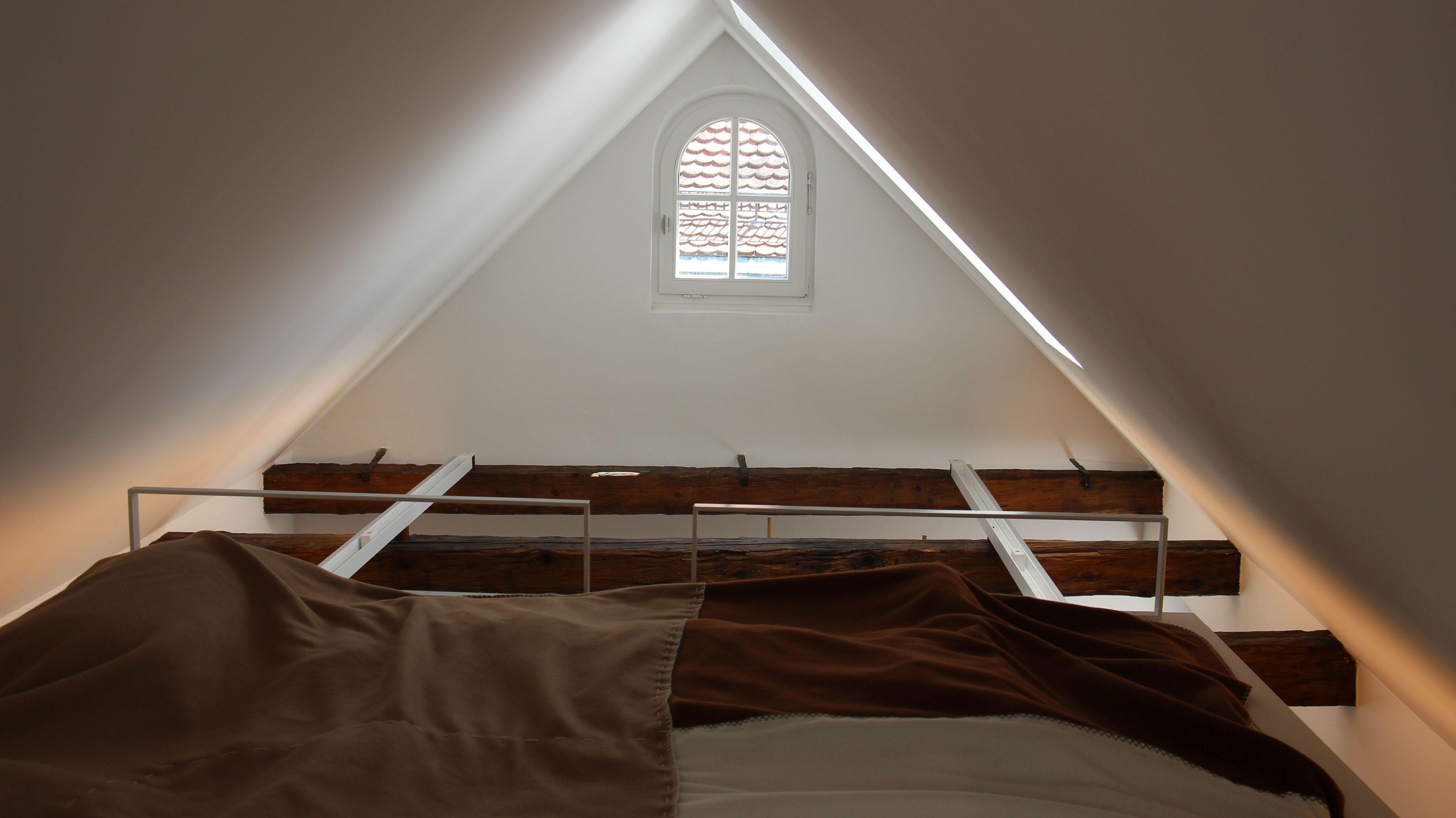 Auch dieses 2017 fertig sanierte Dachgeschoss in einem denkmalgeschützten Haus in der Regensburger Altstadt war bei den Architektouren zu sehen.