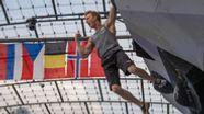 Sportklettern: Weltcup im Bouldern   Bild:dpa-Bildfunk/Lino Mirgeler