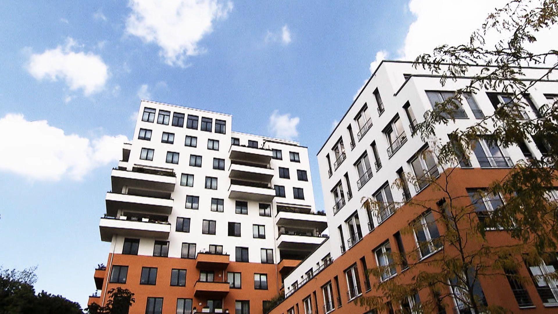 Wohnungen und Gebäude