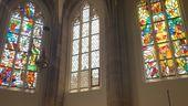 In der Bamberger Kirche St. Elisabeth sind weitere Lüpertz-Fenster montiert worden.  | Bild:BR/Nicole Schmitt