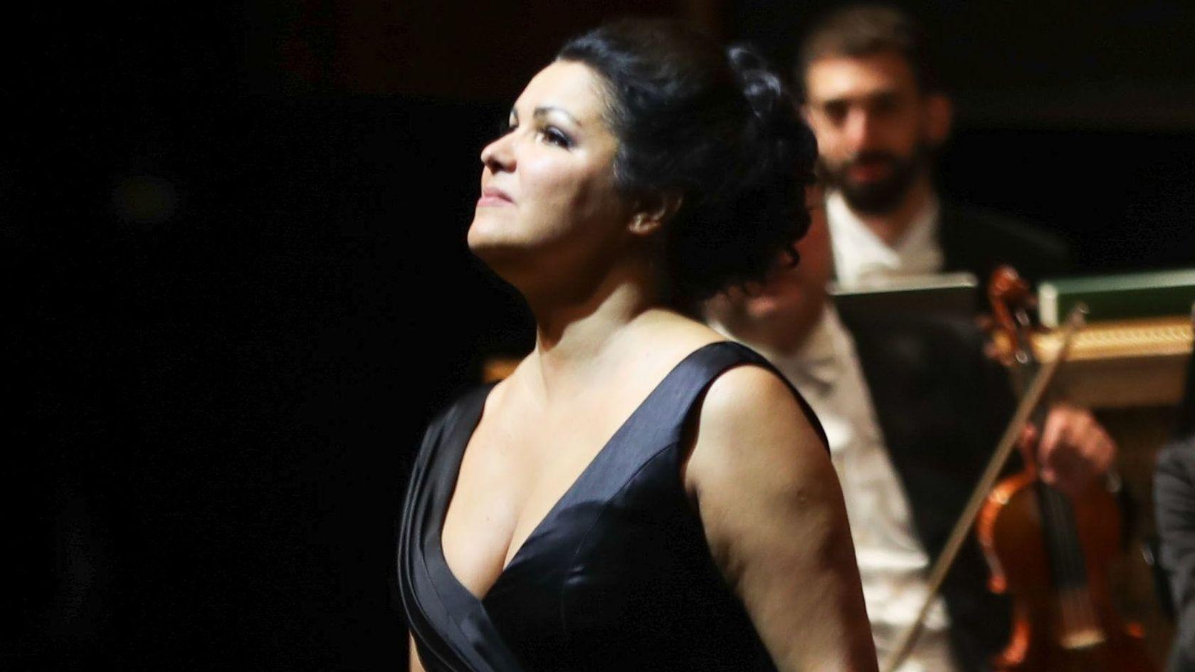 Opern-Star Anna Netrebko (47) hat ihr Debüt bei den Bayreuther Richard-Wagner-Festspielen kurzfristig abgesagt.