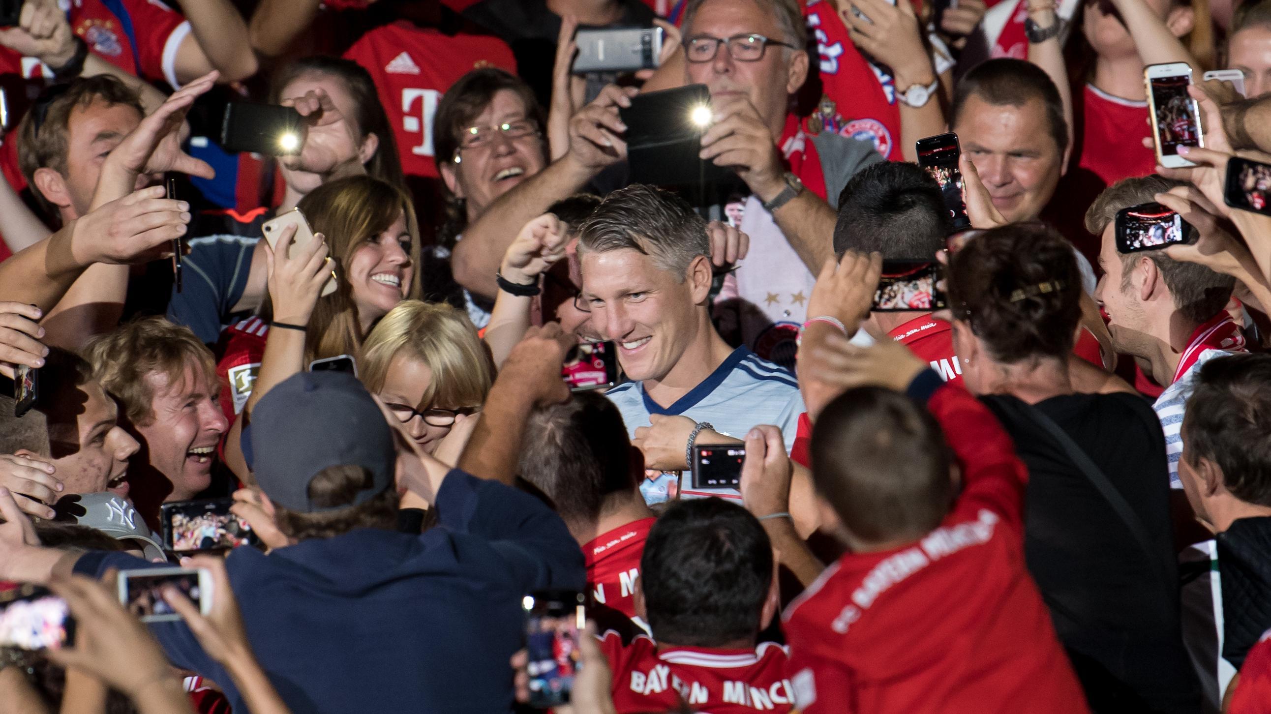 Bastian Schweinsteiger und Fans