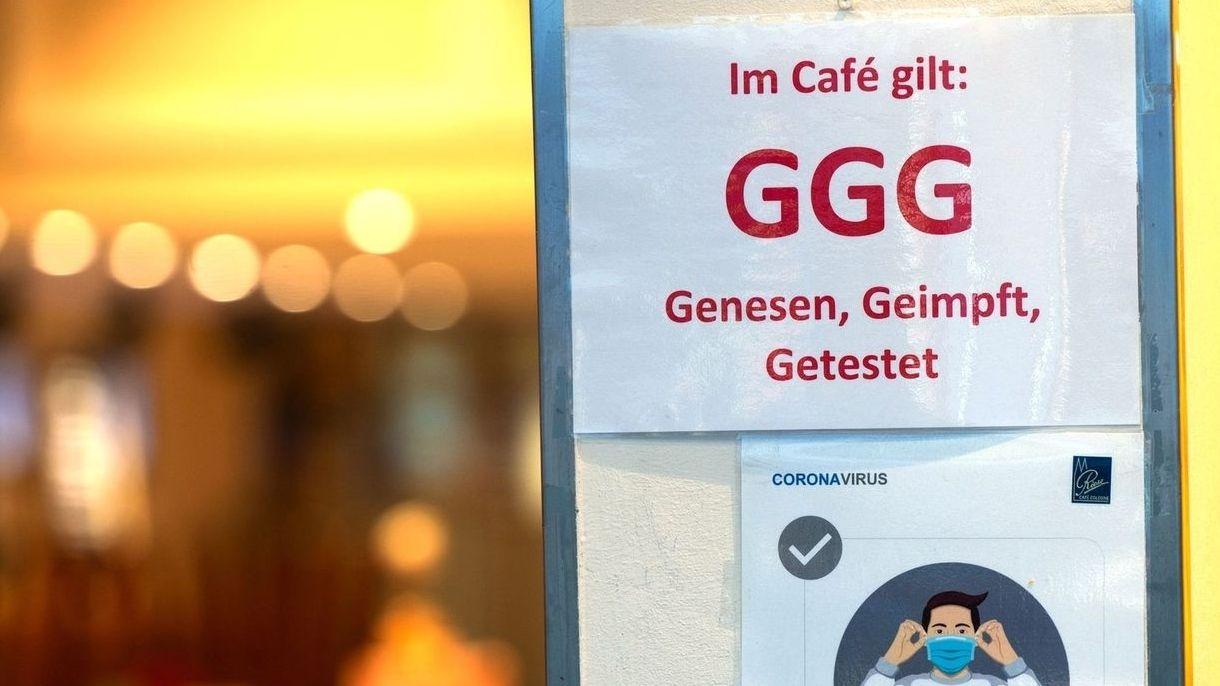 In ganz Unterfranken gelten derzeit die 3G-Regeln für die meisten Innenräume.
