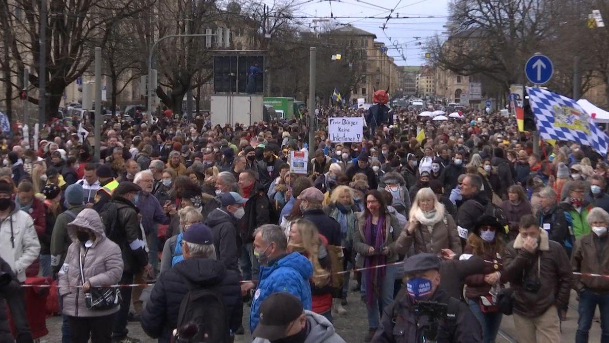 Demonstranten gegen die Corona-Politik in München