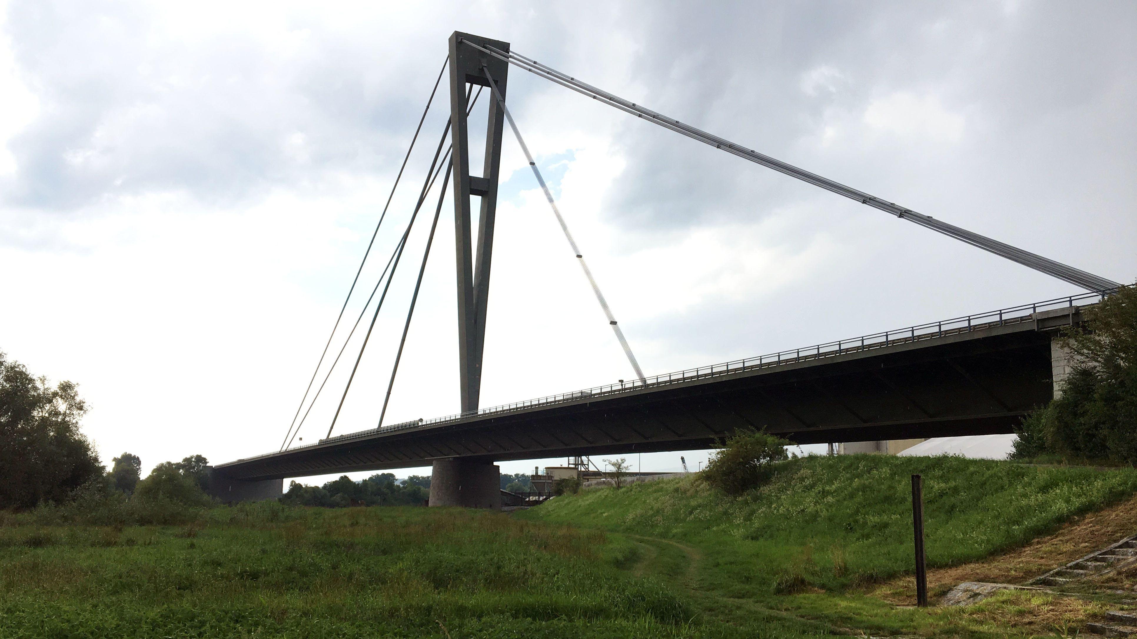 Brücke A3 bei Deggenau
