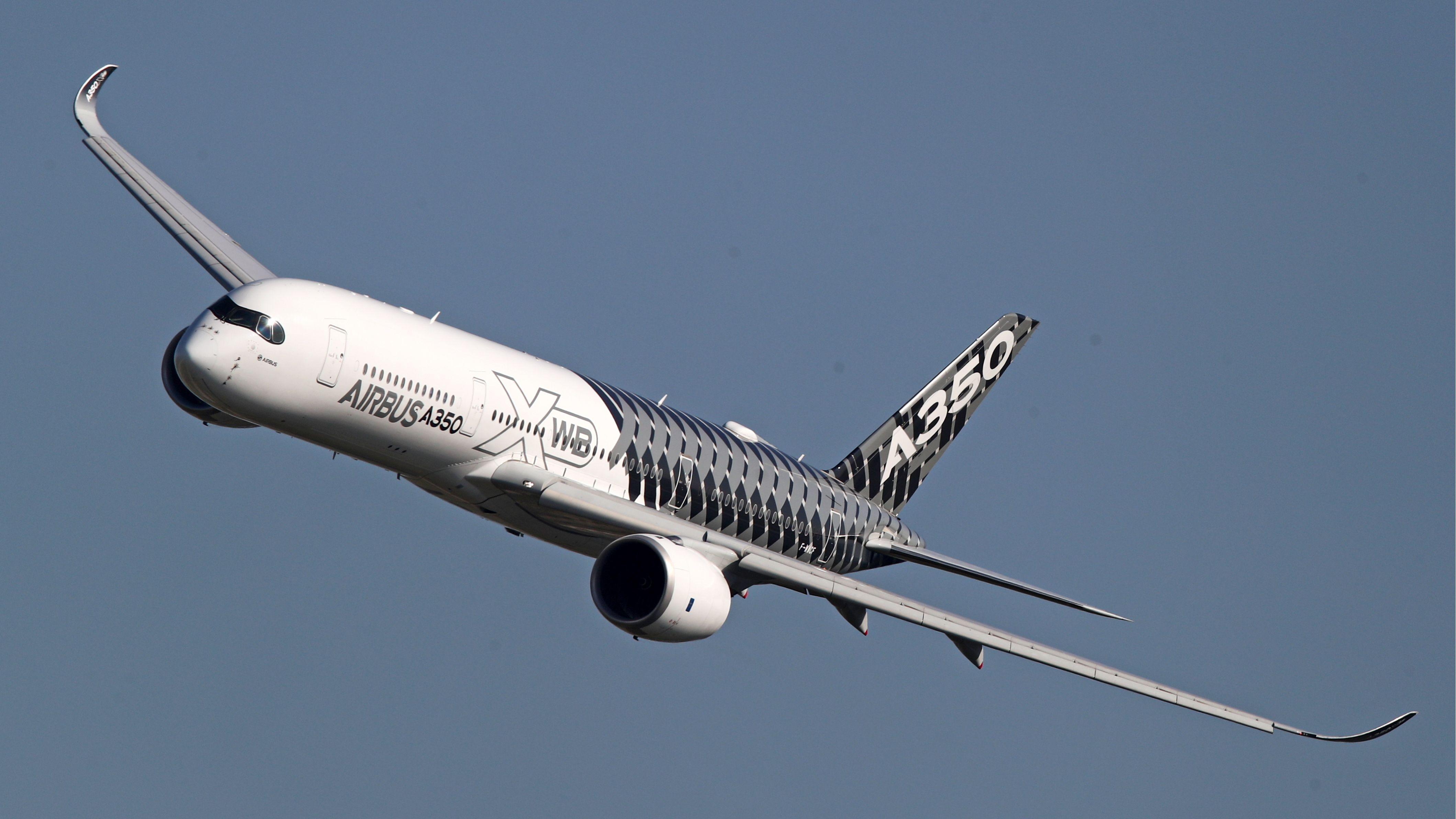 Airbus A350 XW fliegt (Symbolbild)