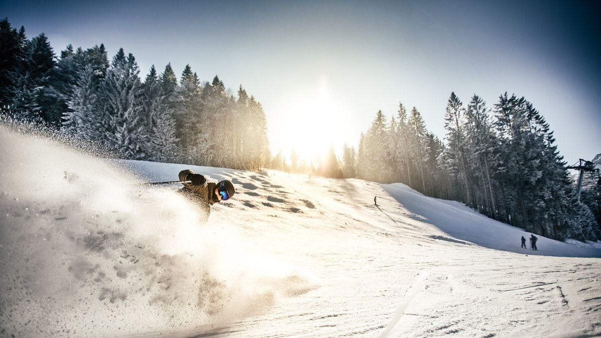 Skifahren in den bayerischen Alpen.