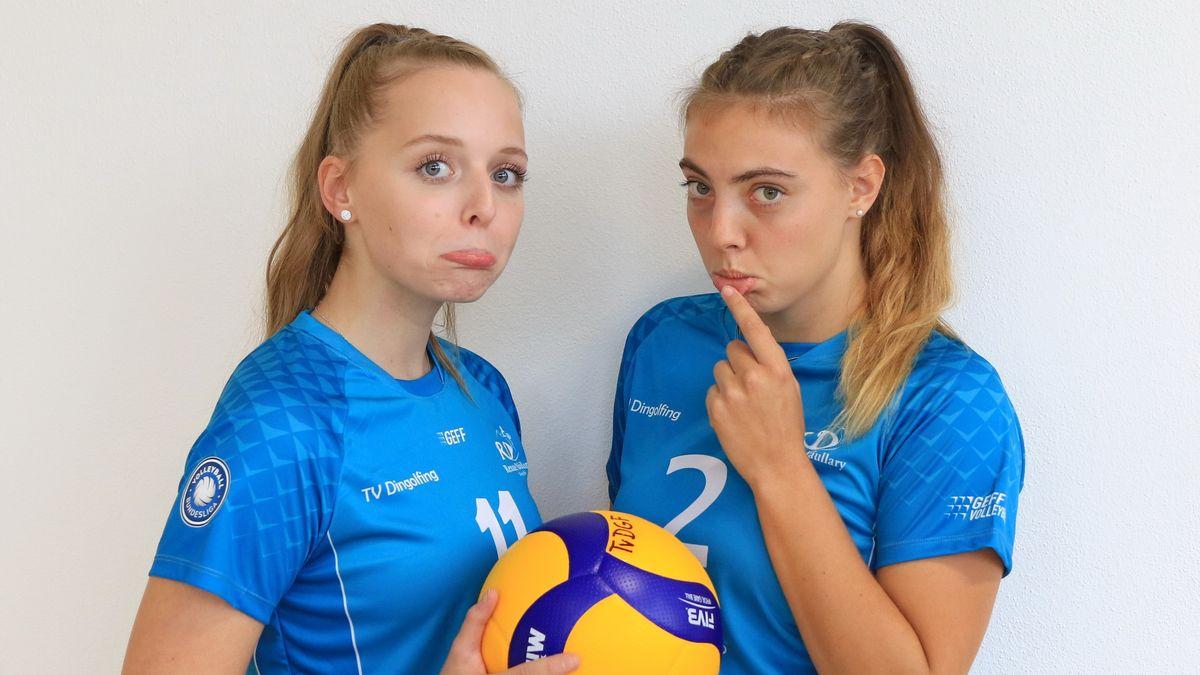 Zwei Volleyballerinnen des TV Dingolfing