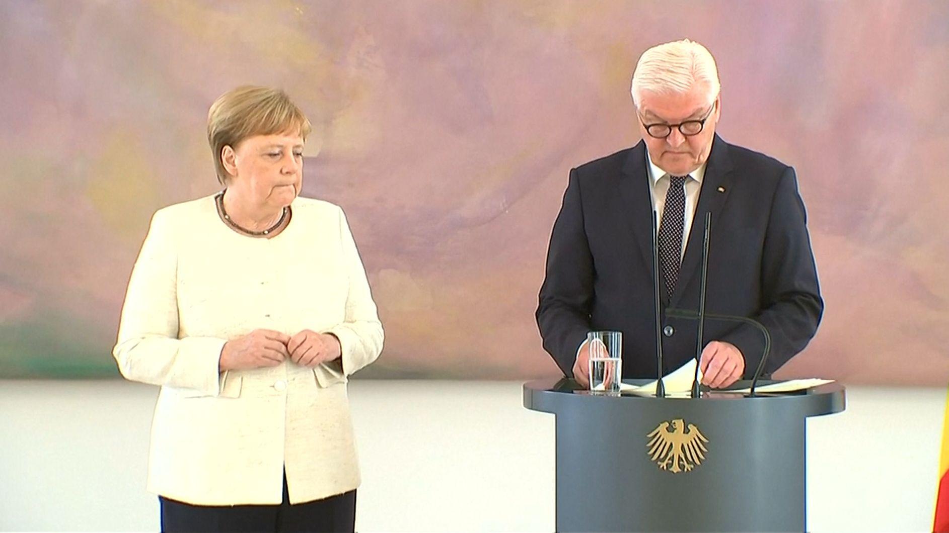 Bundeskanzlerin Angela Markel bei Steinmeier