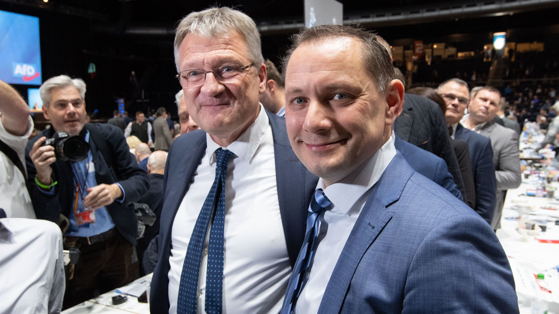 Jörg Meuthen (l) und Tino Chrupalla, neugewählte Bundessprecher der AfD