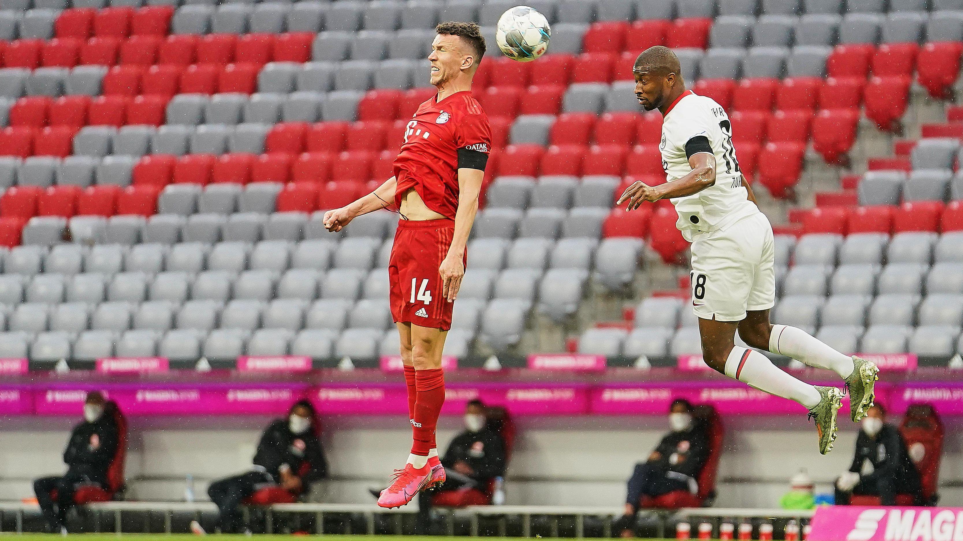 Geisterspiel vom 23.05.2020: Ivan Perisic vom FC Bayern im Einsatz gegen den Frankfurter Almamy.