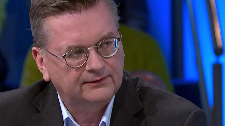DFB-Präsident Reinhard Grindel in Blickpunkt Sport