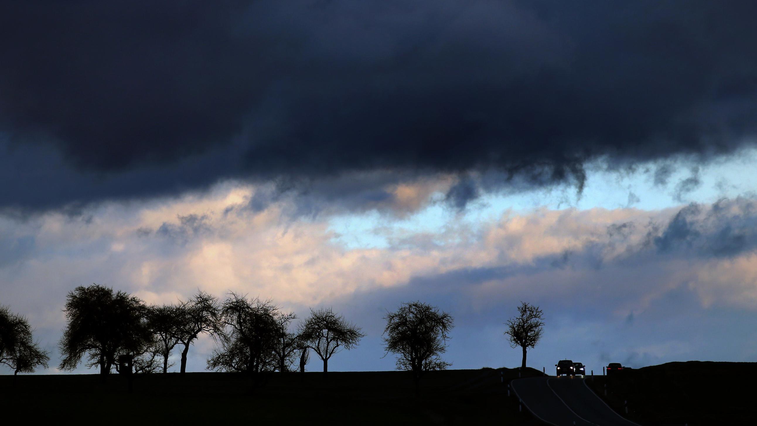 Wolkenfront bei Remlingen