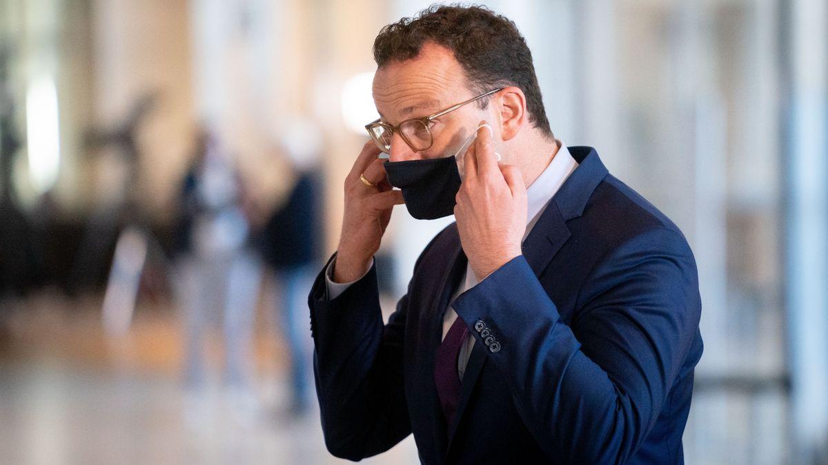 U. a. mit sogenannten Fieberambulanzen will Gesundheitsminister Spahn (CDU) das Land für den befürchteten Anstieg der Infektionszahlen wappnen.