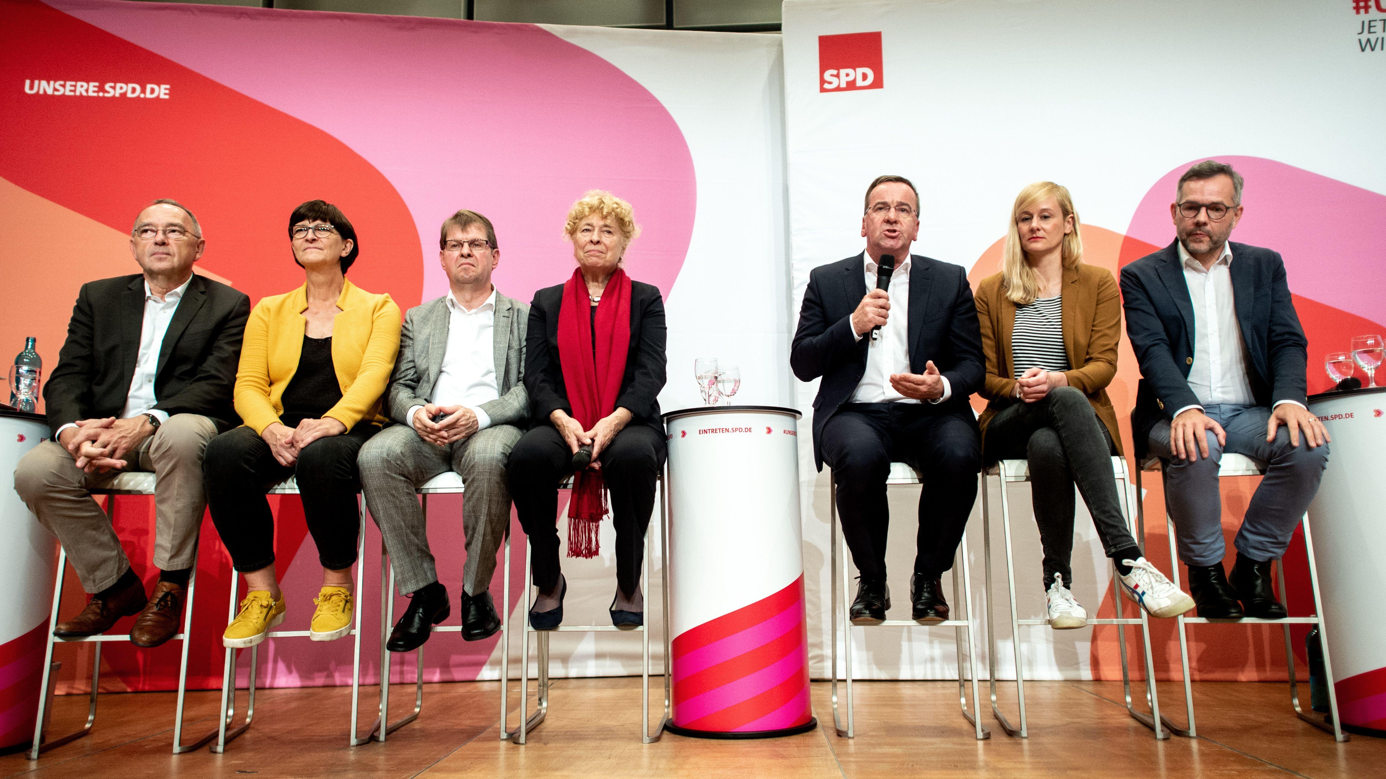 Die Kandidaten-Duos der SPD bei einer Regionalkonferenz