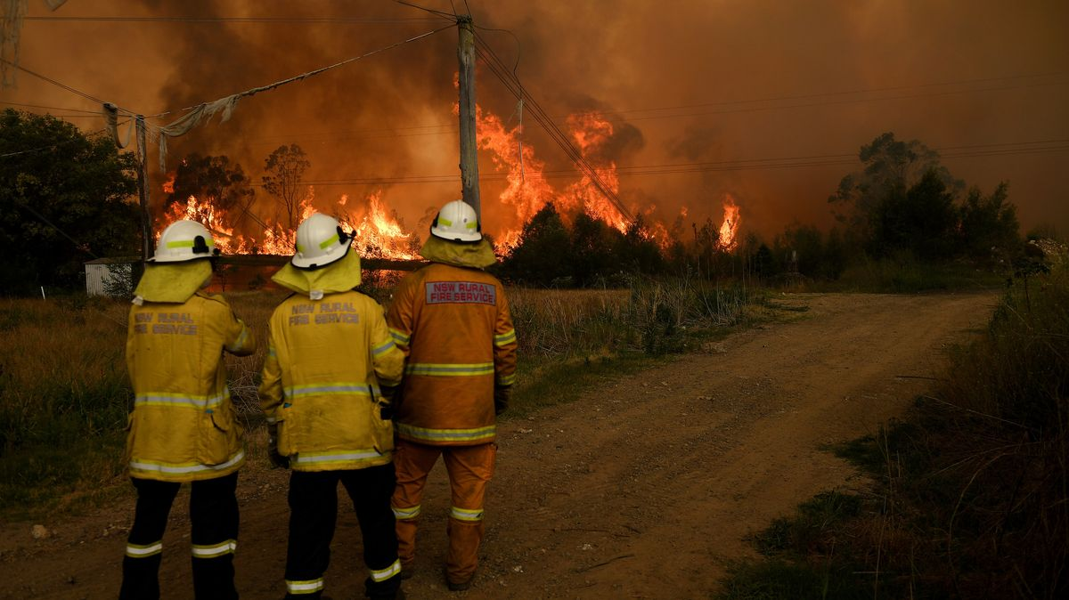 Im bevölkerungsreichsten Bundesstaat Australiens, New South Wales, wurden wegen der Brände Dutzende Straßen gesperrt.