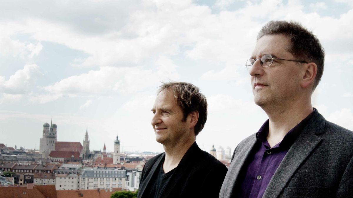 Daniel Ott (l) und Manos Tsangaris, seit 2016 die künstlerischen Leiter der Münchner Biennale für Neues Musiktheater