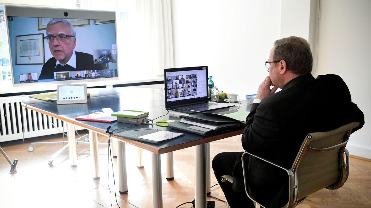Georg Bätzing, Vorsitzender der Deutschen Bischofskonferenz, nimmt an der digitalen Frühjahrsvollversammlung der DBK teil.