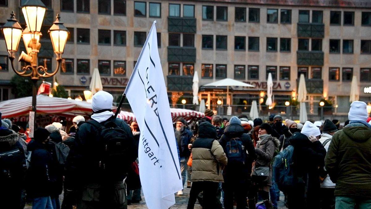 Querdenken-Szene Anfang Januar bei einer Kundgebung in Nürnberg