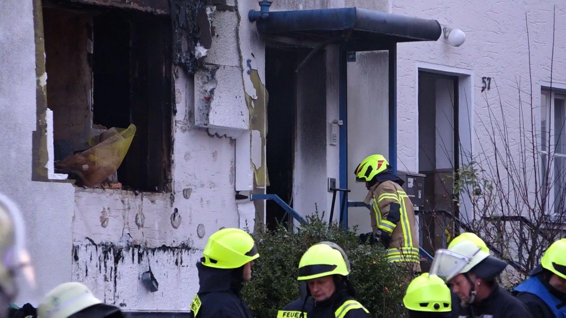 Feuerwehrleute im Einsatz in Ansbach