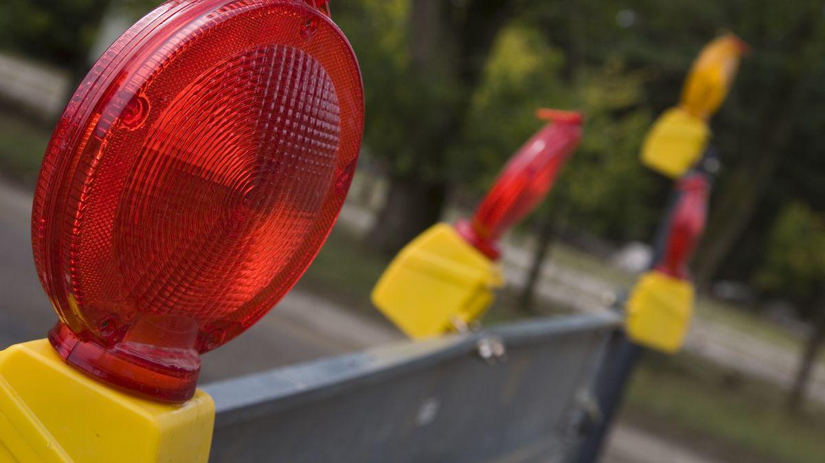 Wegen Brückenbauarbeiten muss die Bundesstraße 16 im Landkreis Regensburg am Wochenende für 48 Stunden komplett gesperrt werden.