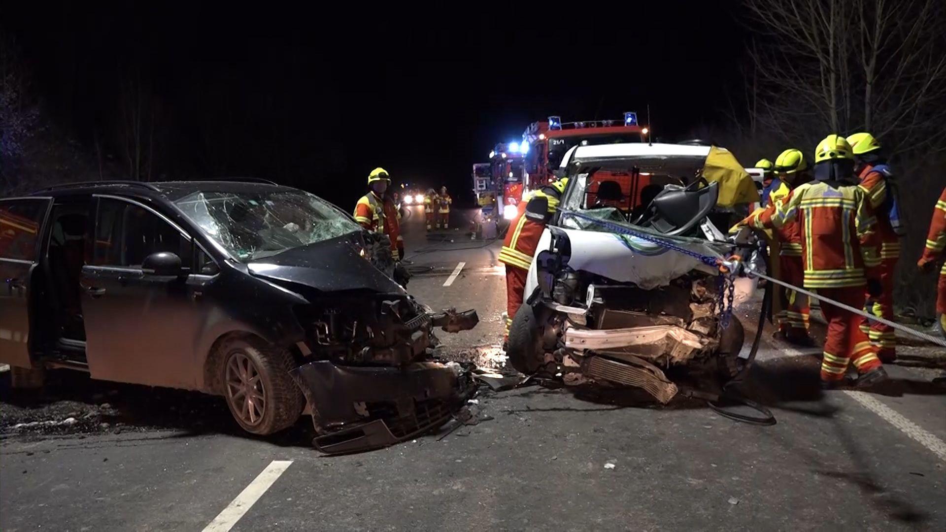 Schwerer Verkehrsunfall auf der B26 bei Laufach