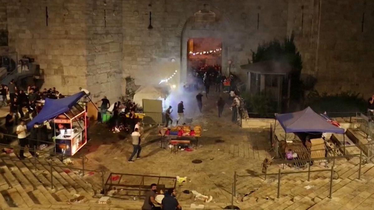 Zusammenstöße zwischen Palästinensern und israelischen Sicherheitskräften am Tempelberg