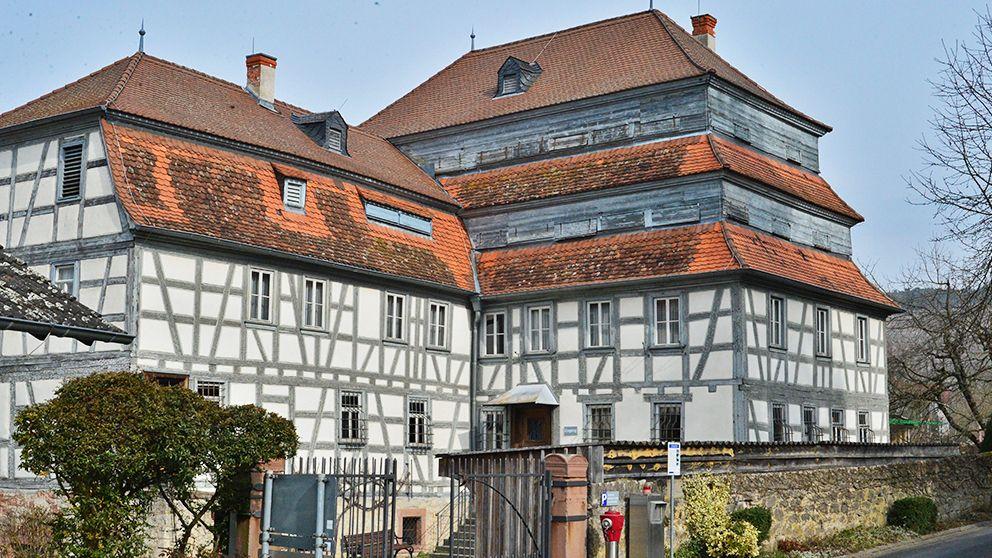 Homburg am Main - Von 1853 bis 1975 produzierte die Familie Follmer in der Homburger Mühle Papiere und Pappen
