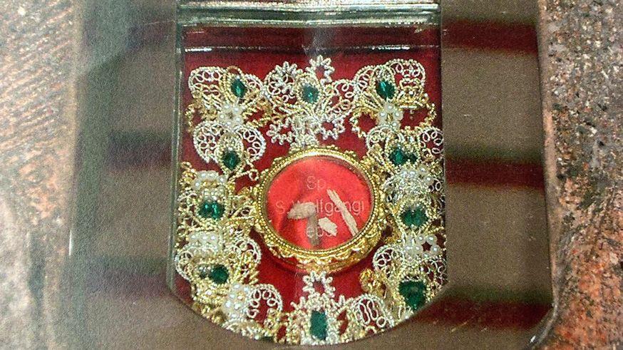 Diese Kapsel mit der Wolfgangs-Reliquie ist aus der Kirche im Regensburger Süden gestohlen worden.