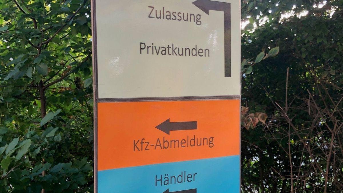 Seit rund vier Wochen läuft in der Zulassungsstelle am Landratsamt Straubing-Bogen wieder der Normalbetrieb