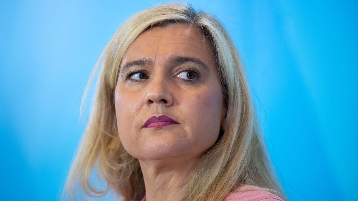 Will neuerliche Besuchsverbote in Heimen verhindern: Melanie Huml