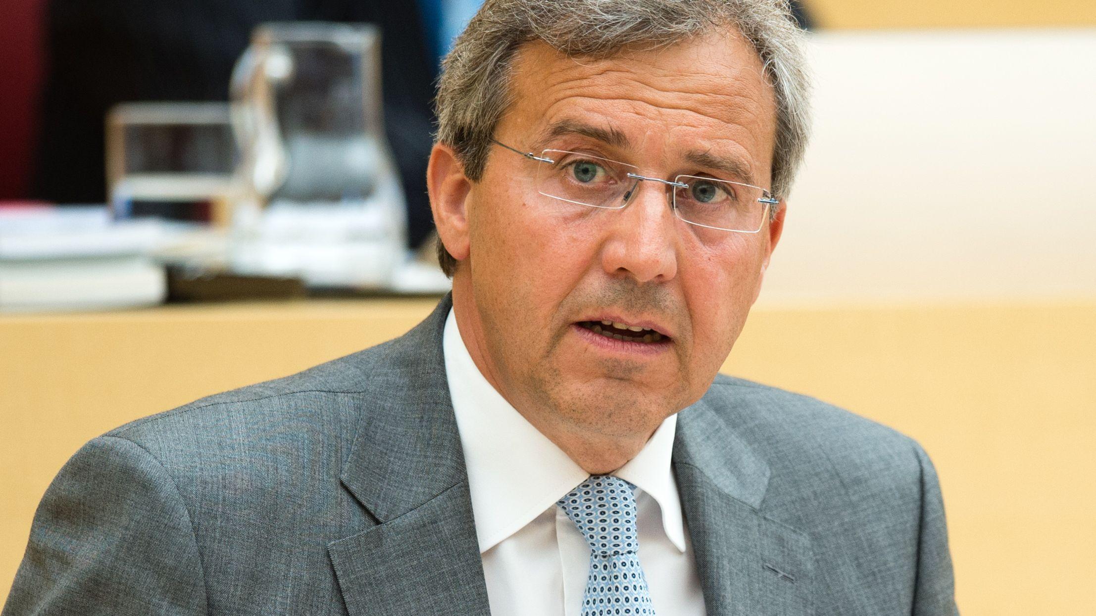 Franz Rieger während einer Plenarsitzung im Landtag
