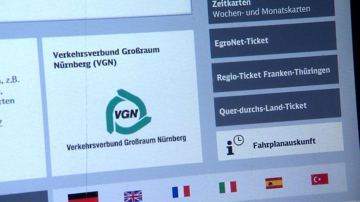 Der Bildschirm eines Ticketschalters des VGN