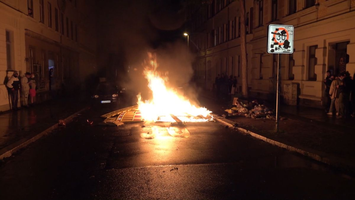 Gewalttätige Demonstrationen in Leipzig