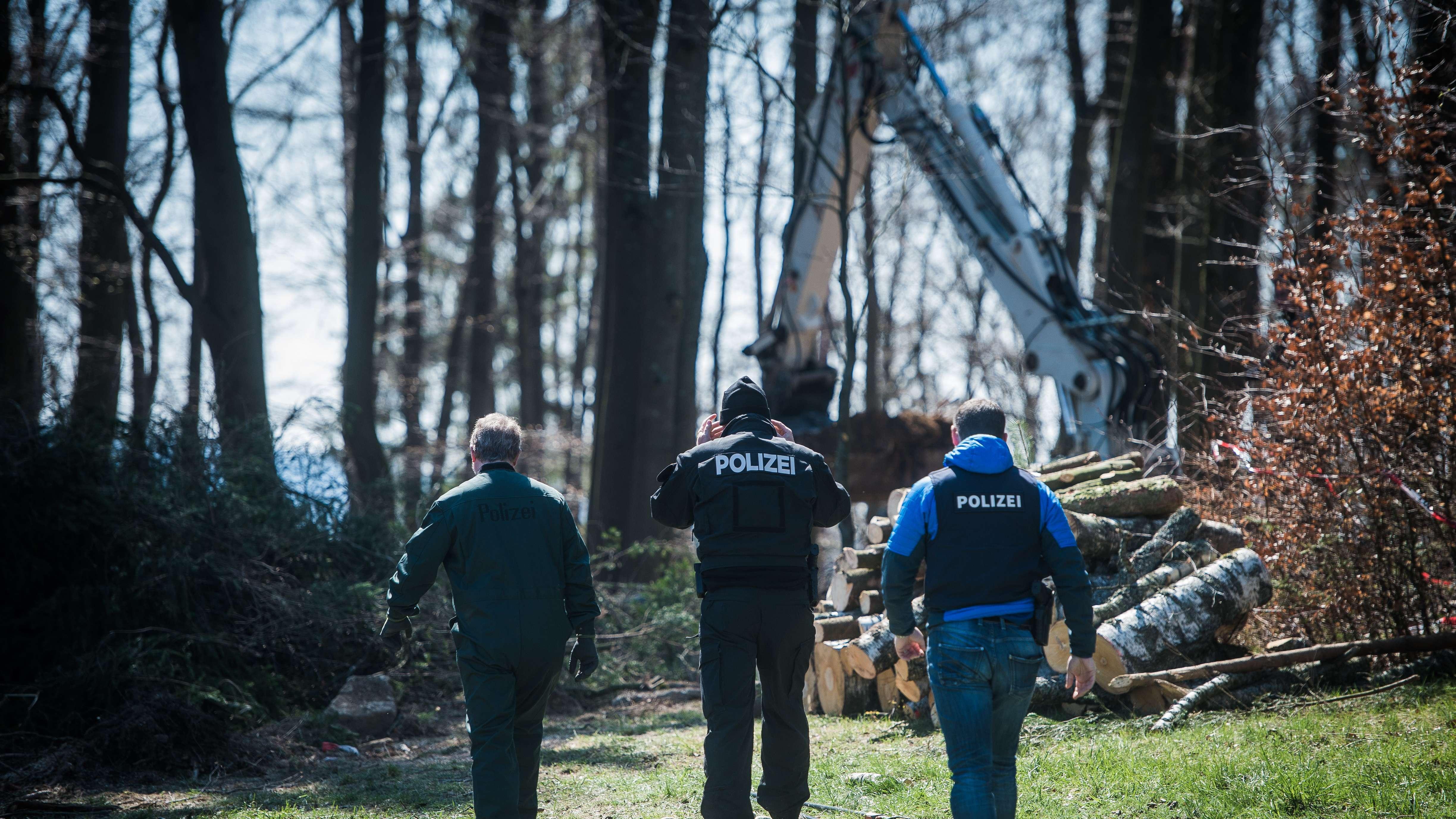 Polizisten graben erneut nach der Leiche von Monika Frischholz. Sie verschwand vor knapp 43 Jahren spurlos.