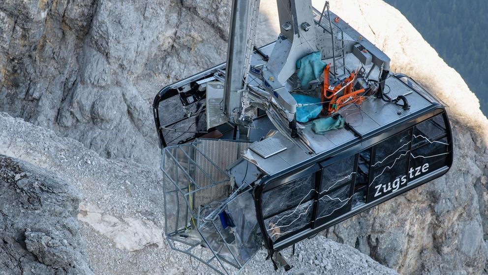 Bergung von Seilbahnkabine der Zugspitzseilbahn | Bild:dpa-Bildfunk