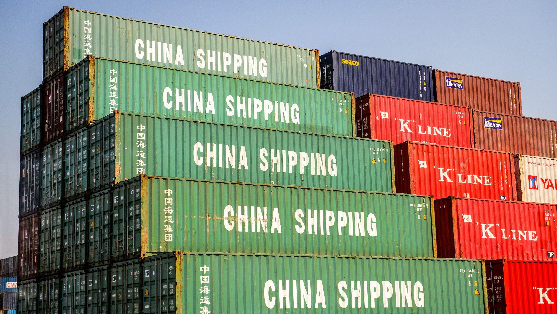 """Container mit der Aufschrift """"China Shipping"""" (Symbolfoto)"""