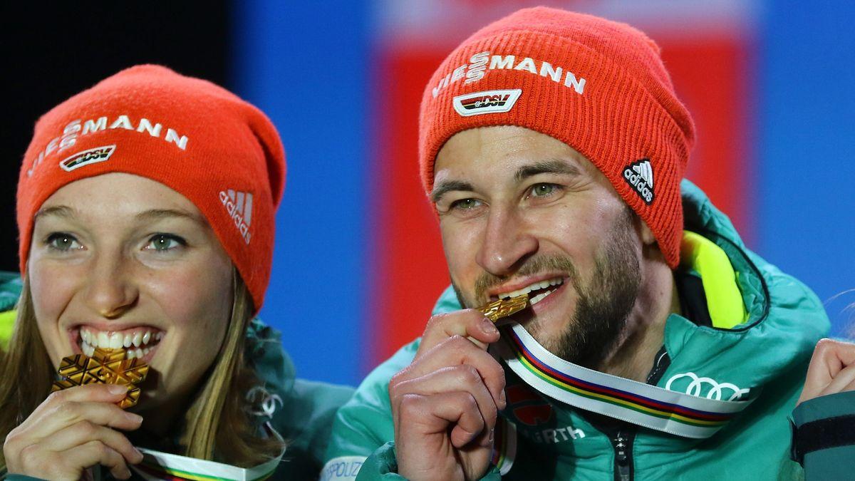 Katharina Althaus (li.) und Markus Eisenbichler beißen auf eine Goldmedaille.