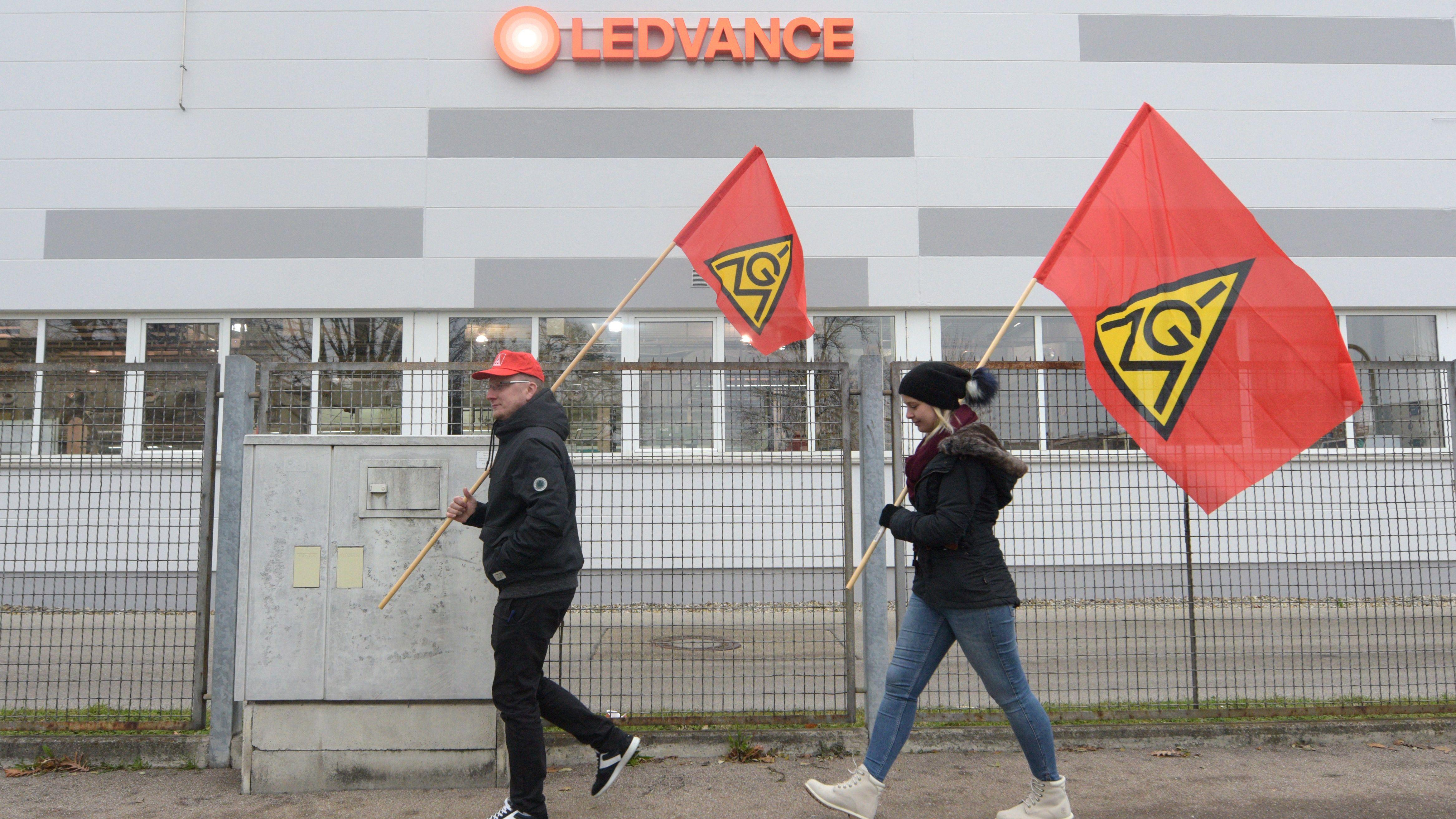 Im November 2017 protestierten Mitarbeiter von Ledvance gegen die Schließung des Werks in Augsburg.