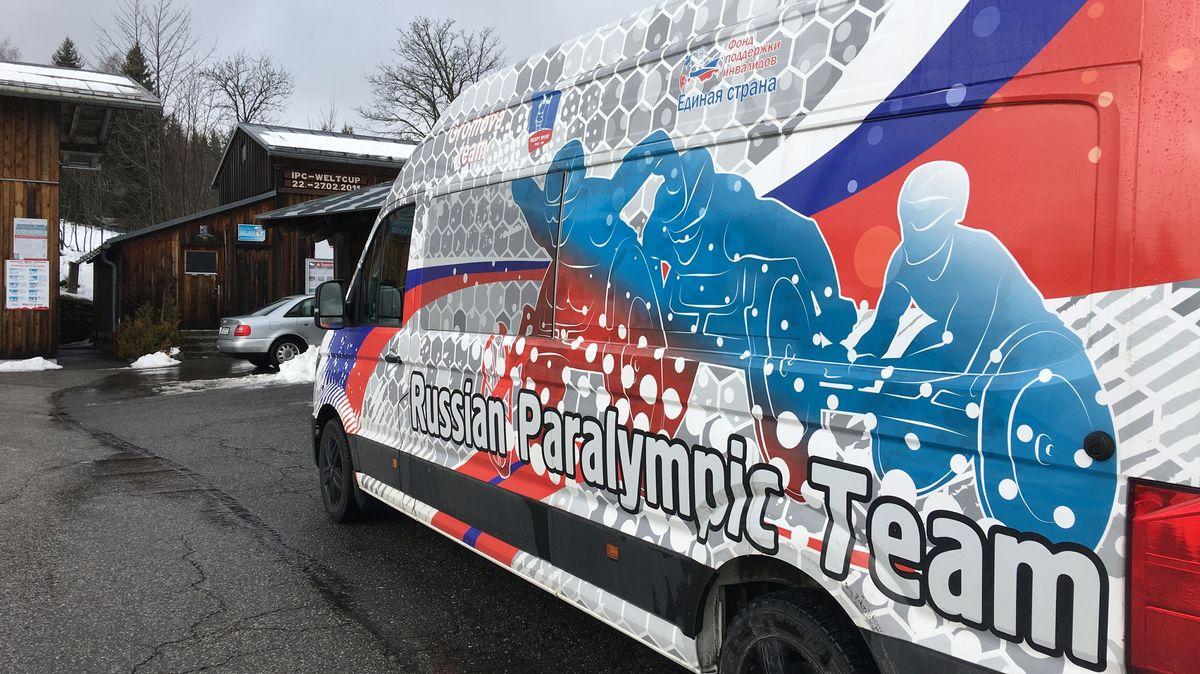 Der Bus des russischen Paralympic-Teams