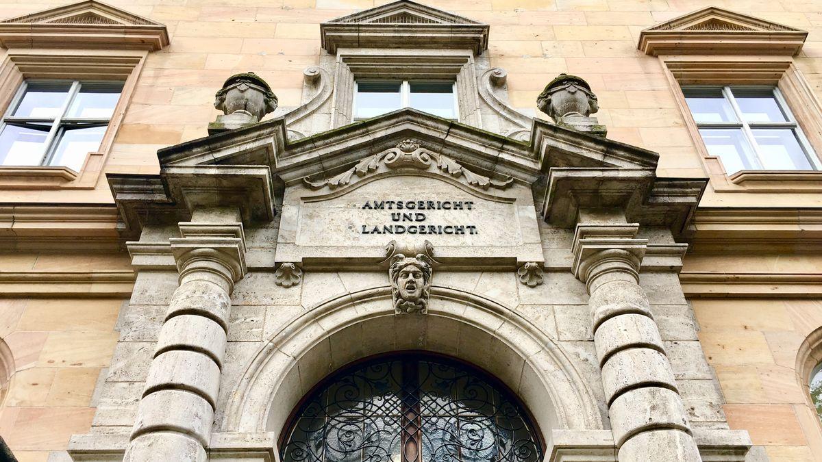 Außenfassade des Landgericht Regensburg.