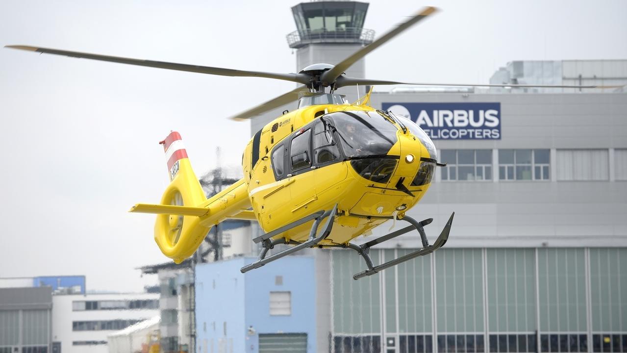 Hubschrauber von Airbus Helicopters auf dem Werksgelände in Donauwörth