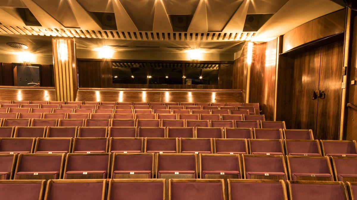 Festlicher Zuschauerraum ohne Besucher: Großes Festspielhaus Salzburg